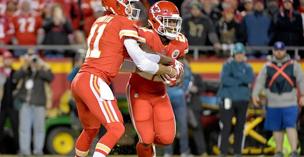 pretty nice b5bda 2d389 Ranking our favorite Chiefs uniforms over the years