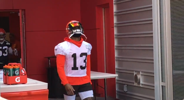premium selection a565e 48732 OBJ gets loud applause at first Browns training camp practice