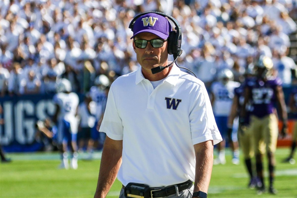 Media stunned by Chris Petersen stepping down at Washington