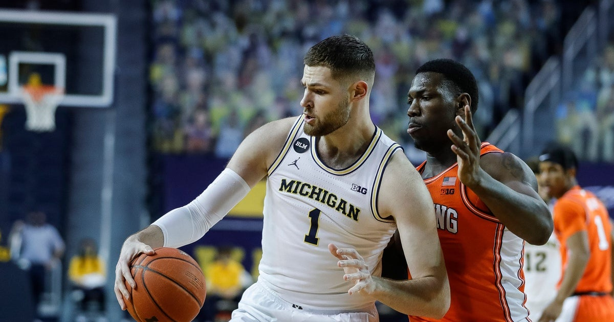 Michigan's Hunter Dickinson takes exception to Illinois' Big Ten regular season title claim - 247Sports