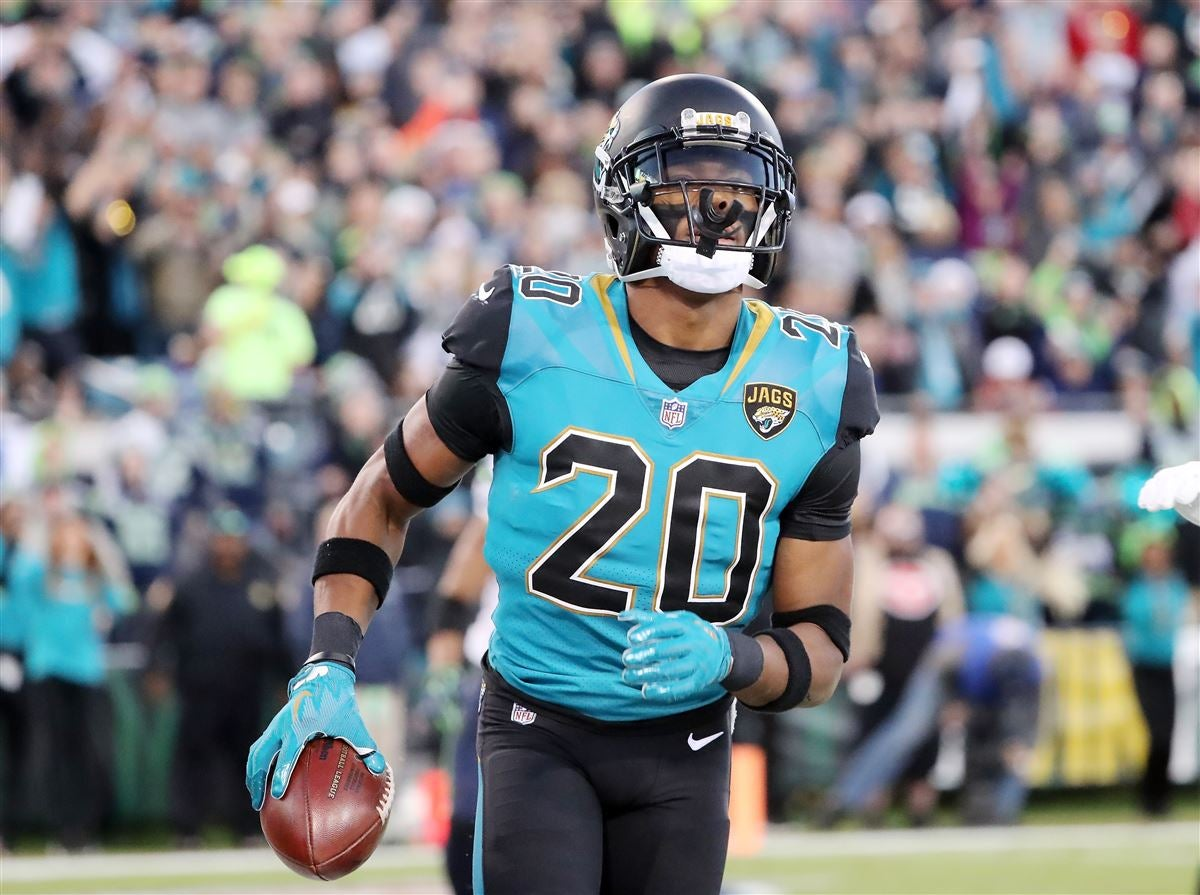 Jalen Ramsey compliments Russell Wilson's game and leadership