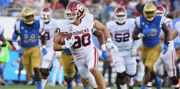 Sooner tight end announces retirement from football