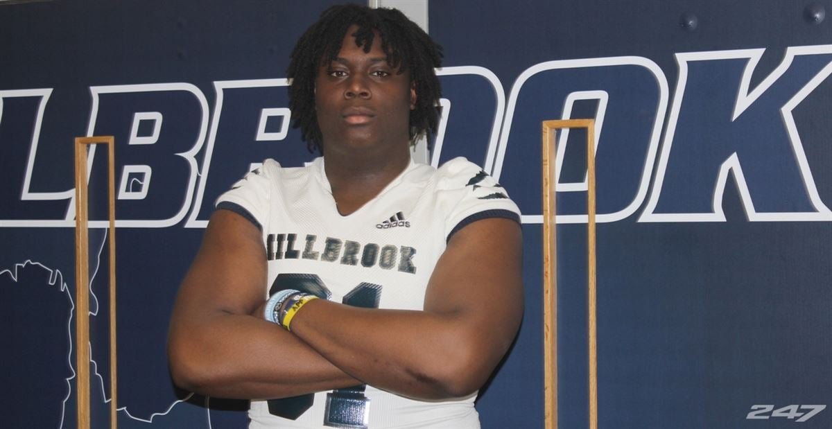 Offensive lineman Diego Pounds commits to UNC