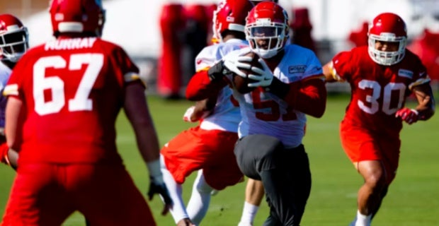 Chiefs training camp: Speaks gets first INT, more from Mahomes