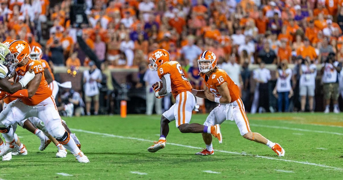 Lawrence, Etienne, and Clemson freshmen discuss win over GT