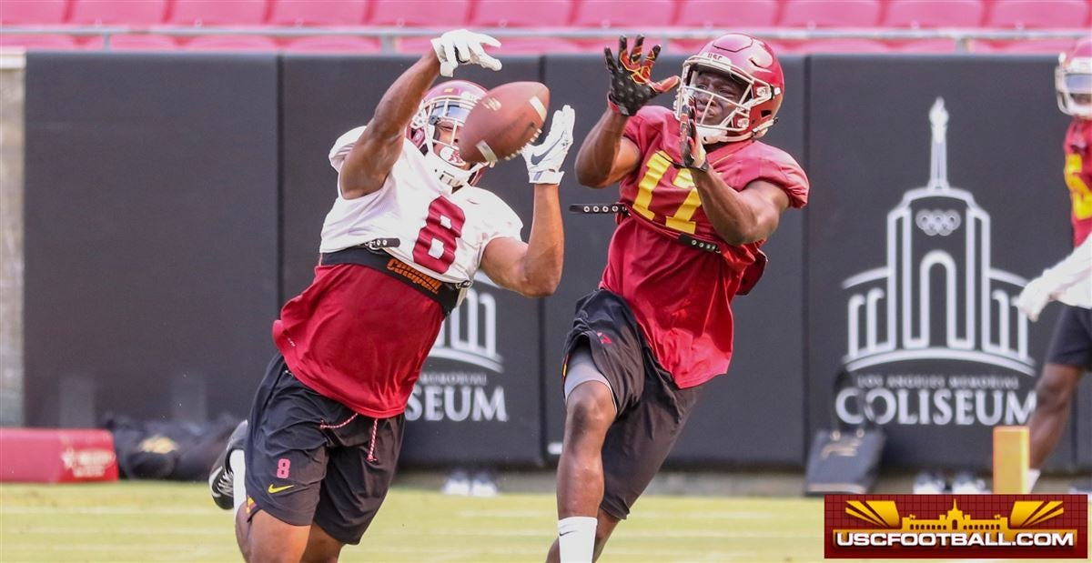 PHOTOS: USC works out in the Coliseum
