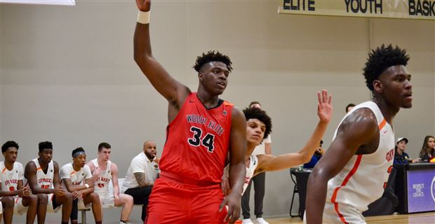 2019 three-star center schedules official visit with Vols