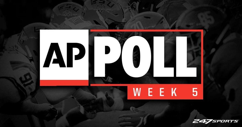 College football reveals new AP top 25 rankings