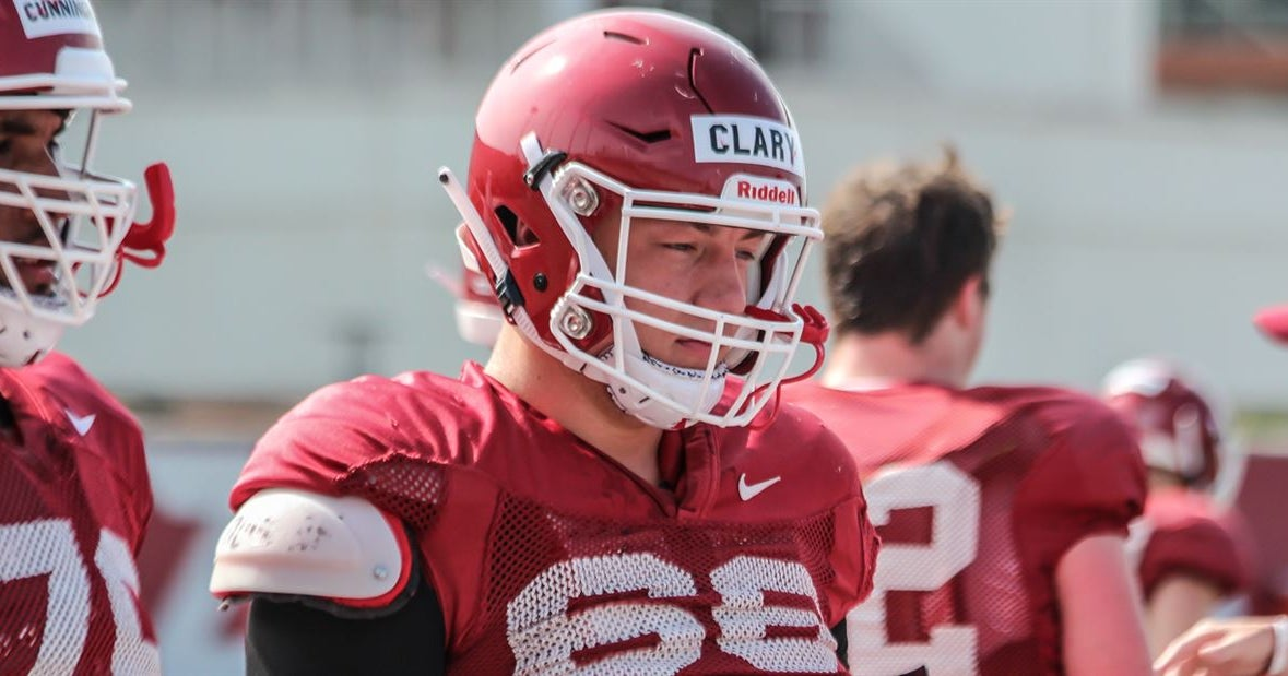 Razorback center turns solid offseason into successful camp
