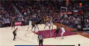 Watch: LeBron James makes 11,000th career field goal