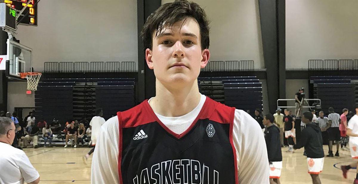 Louisville offers top-30 2019 post Will Baker