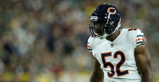 c58e05725 LOOK: Khalil Mack warms up at Soldier Field for first time
