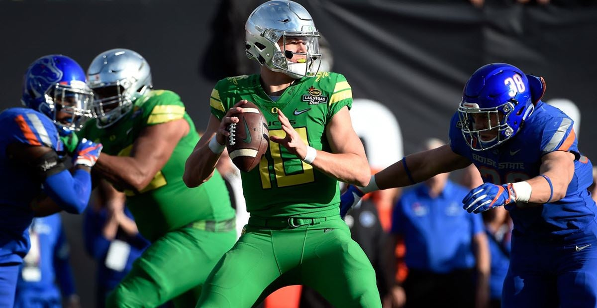 NFL Draft analyst likes reports on Justin Herbert from media day