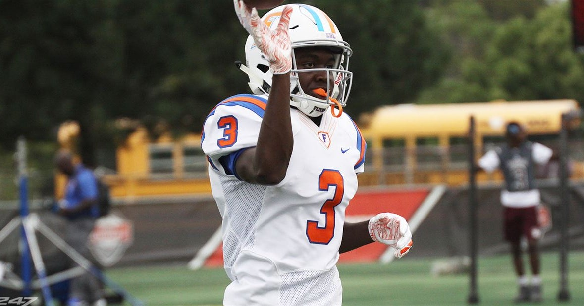 UCLA Gets a Surprise Commitment from Illinois Receiver
