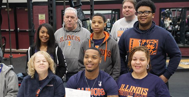 QB Coran Taylor signs with Illini: 'It's a relief'