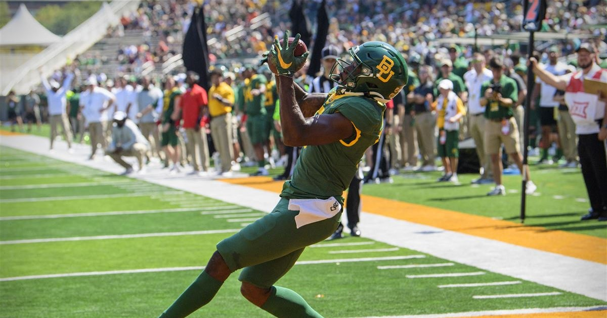 Baylor Races Past Roadrunners 63-14