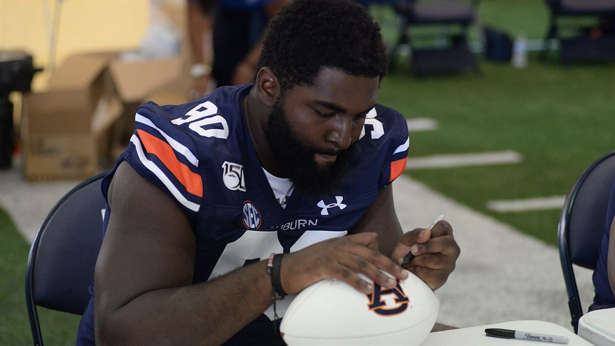 Freshman defensive lineman leaves Auburn football team