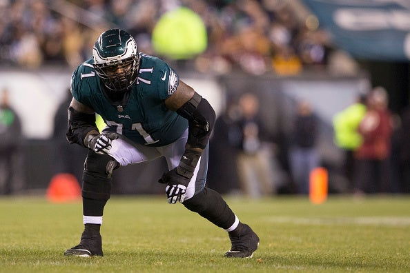 07e8facfc75 Jason Peters questionable to return with back injury
