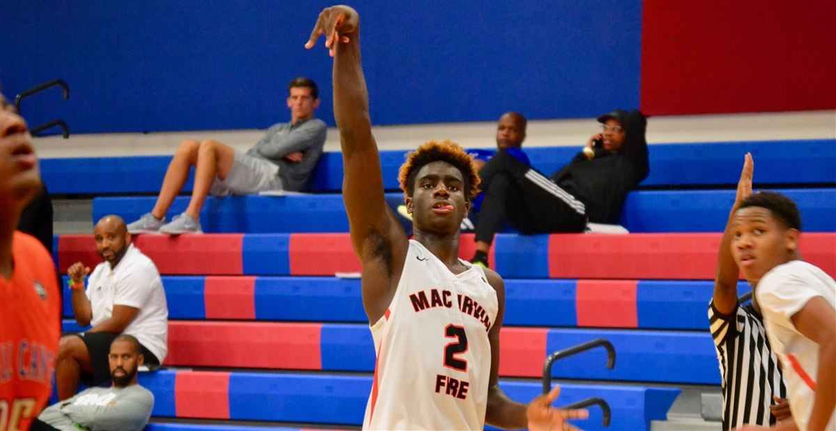 Louisville makes final eight for Kahlil Whitney