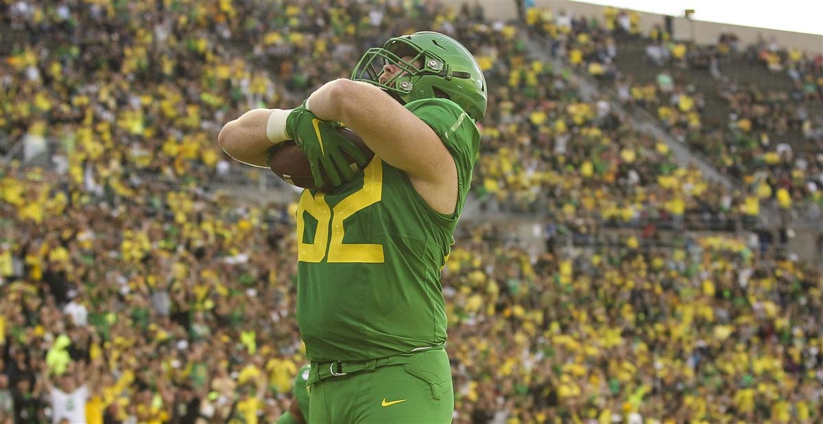 Former Oregon OL Brady Aiello picked up by Cleveland Browns