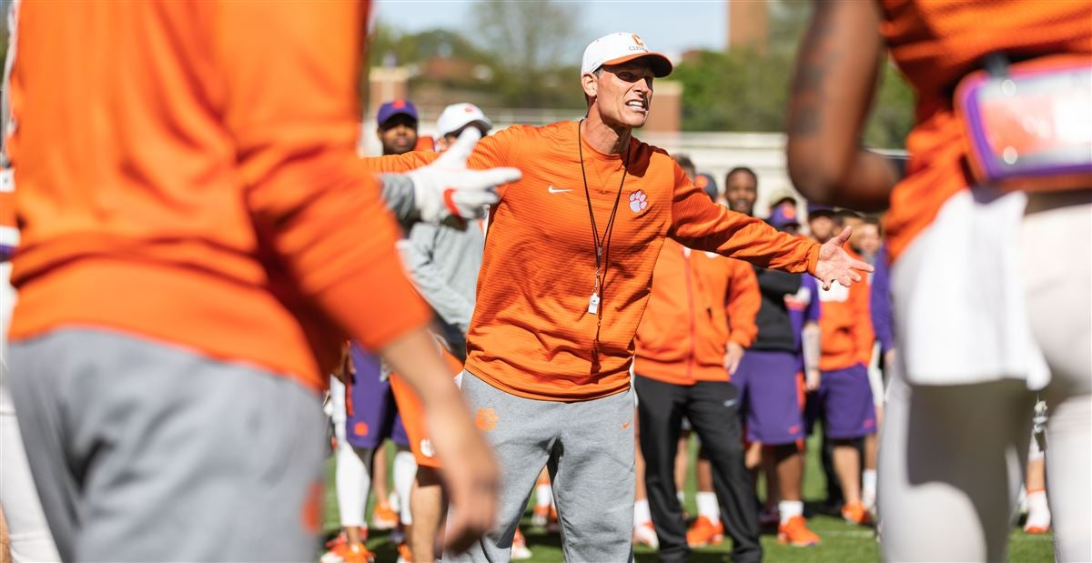 Venables talks defensive backs and linebackers after Day 4