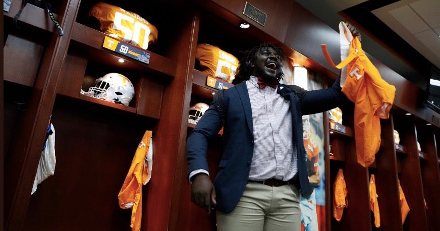 Look: Vols add orange pants for Mississippi State game