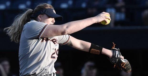 Pitching power: Martin, Carlson keep Auburn rolling