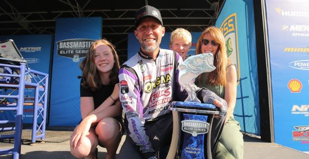 Martens Wins 2017 Elite Series on Champlain with Record Comeback