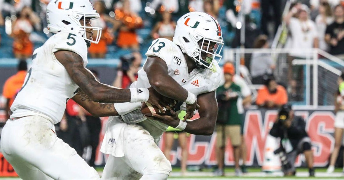 Here's why RB DeeJay Dallas needs more carries moving forward