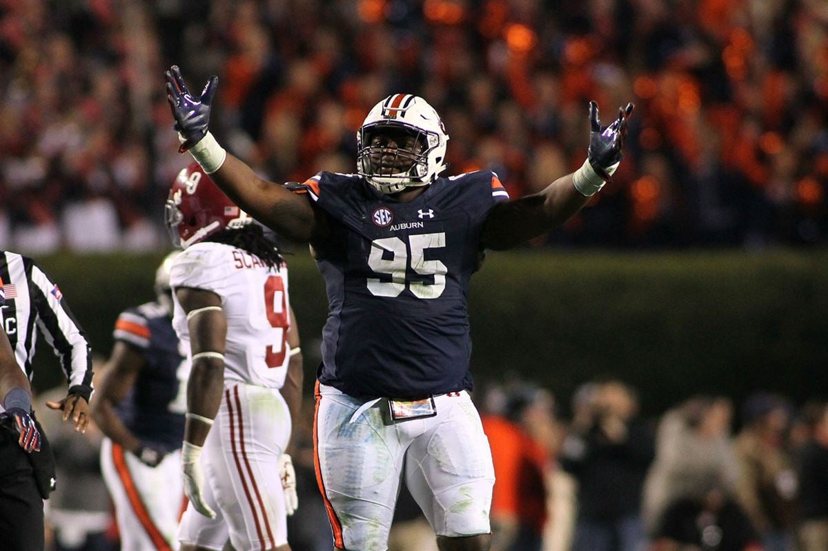 cheap for discount c3844 26801 Dontavius Russell recognized for value on Auburn defensive line