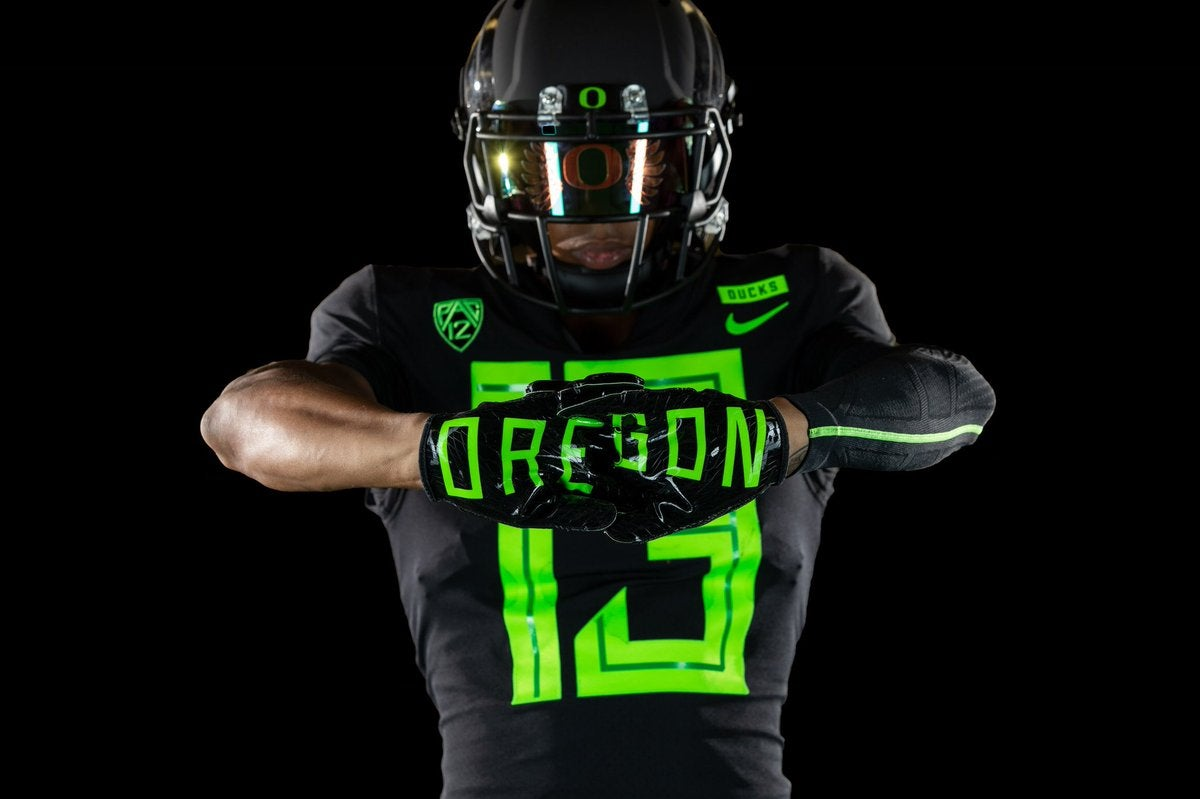 first look: oregon football releases new uniform for 2018 season