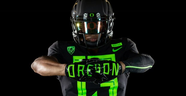 huge selection of e7fc9 445d2 First Look: Oregon Football releases new uniform for 2018 season