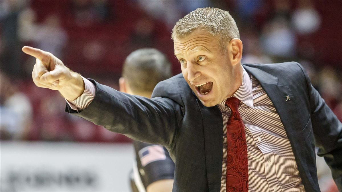 Cleaning up turnovers top priority for Nate Oats, Alabama hoops