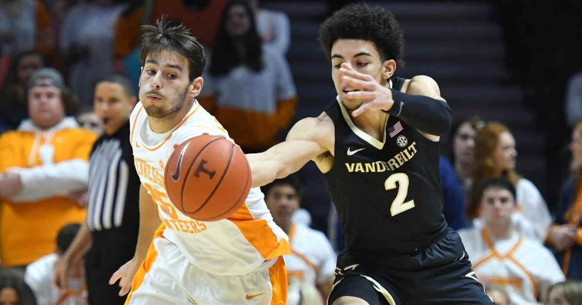 Vols wake up in time to beat Vanderbilt, 65-61
