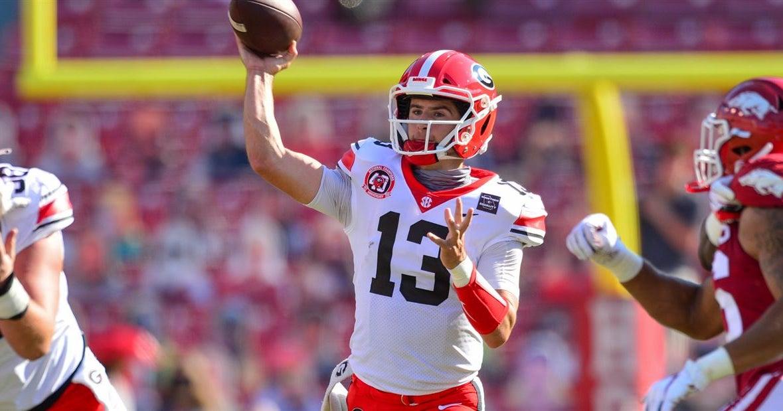 Bennett provides spark as Georgia surges past Arkansas 37-10