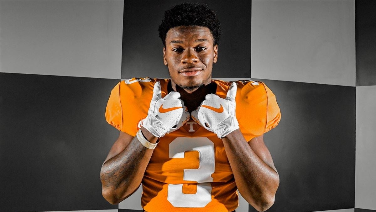 Four-star Tennessee LB target sets announcement date