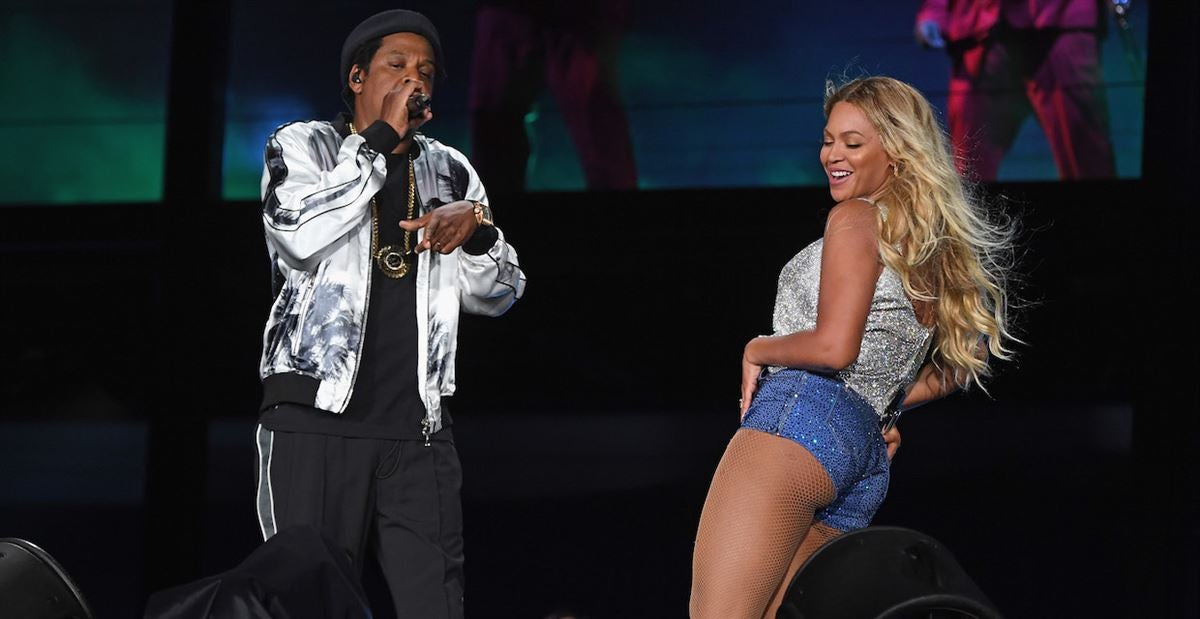 LOOK: Jay-Z and Beyoncé rock the Shoe in front of the Buckeyes