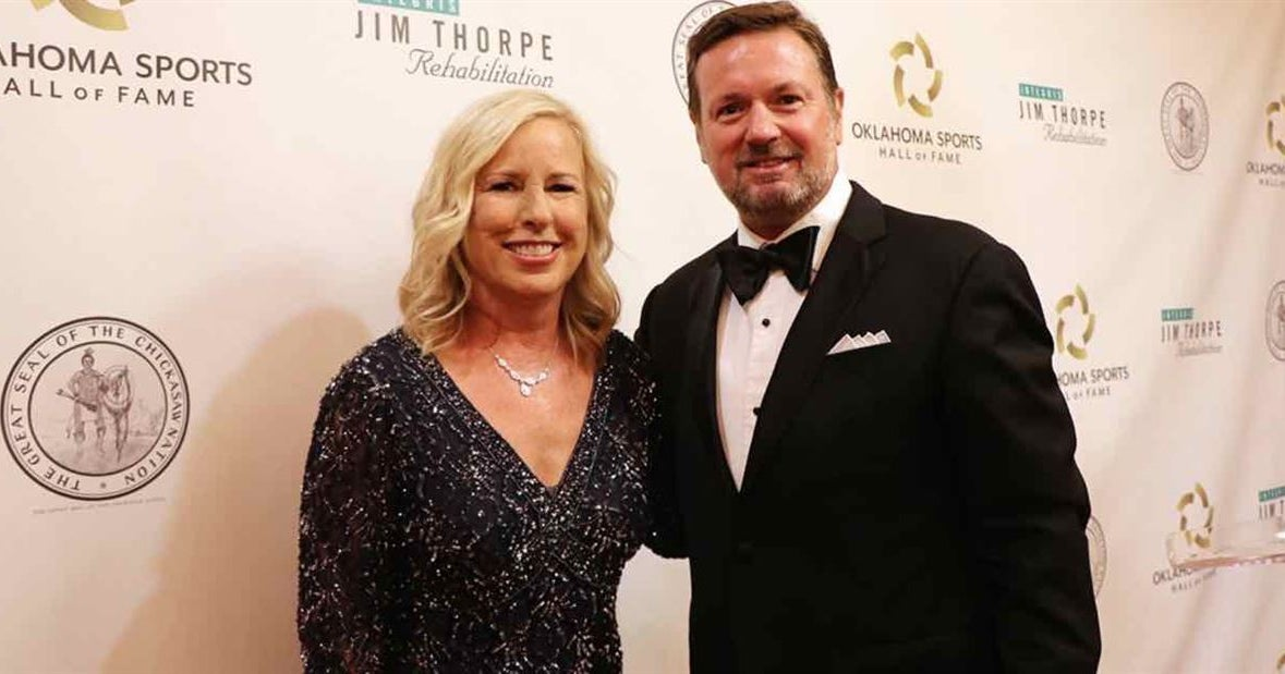 Gasso, Stoops inducted into Oklahoma Sports Hall of Fame