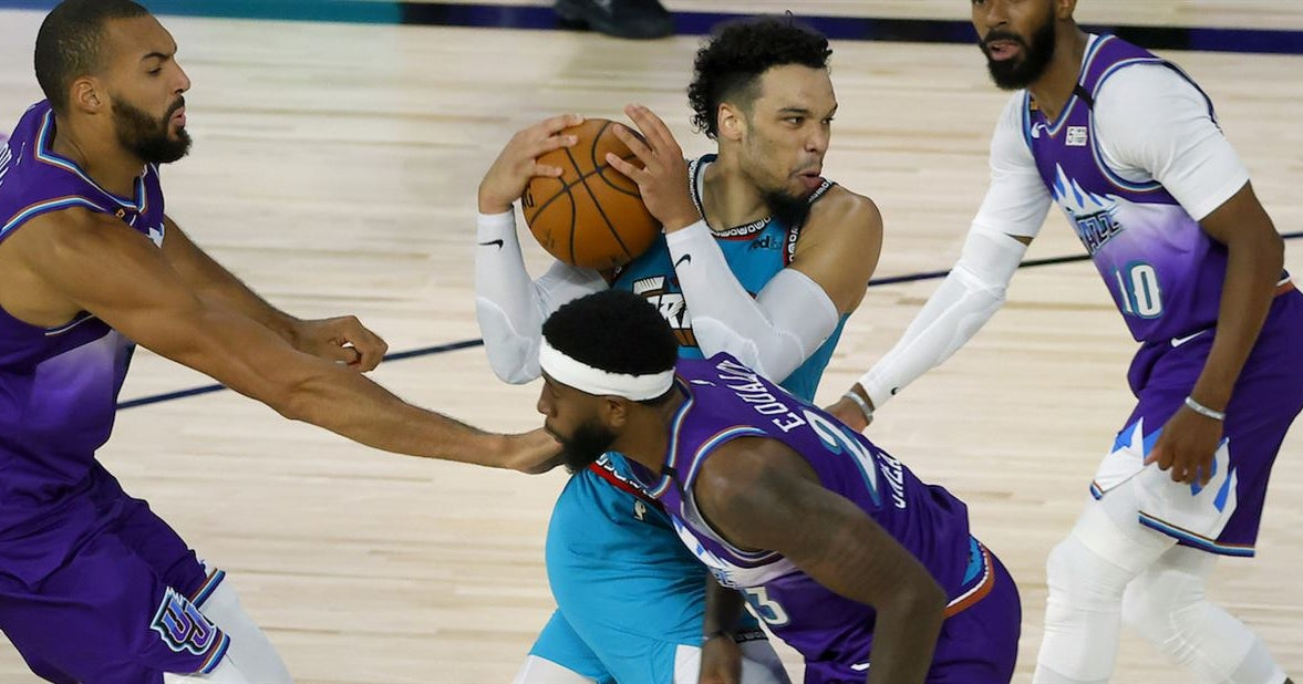 Dillon Brooks goes off in first half, Memphis drops another