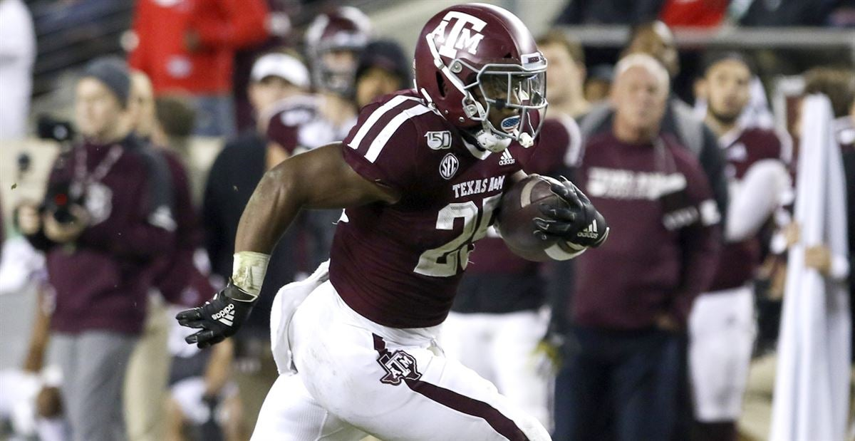 Old school 21 look generates big plays for Texas A&M