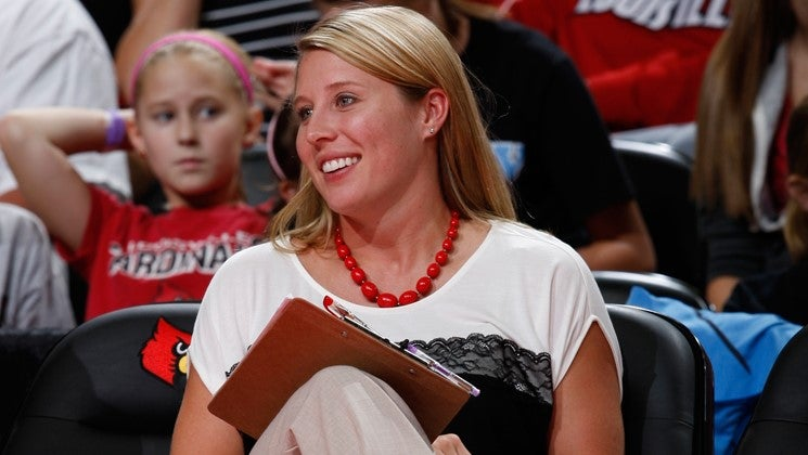 Louisville volleyball stuns No. 2 Texas in NCAAs