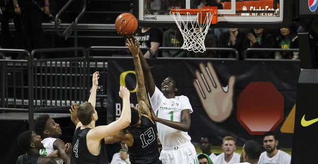 65cfd2a1155 Bol Bol posts double-double in first career game at Oregon