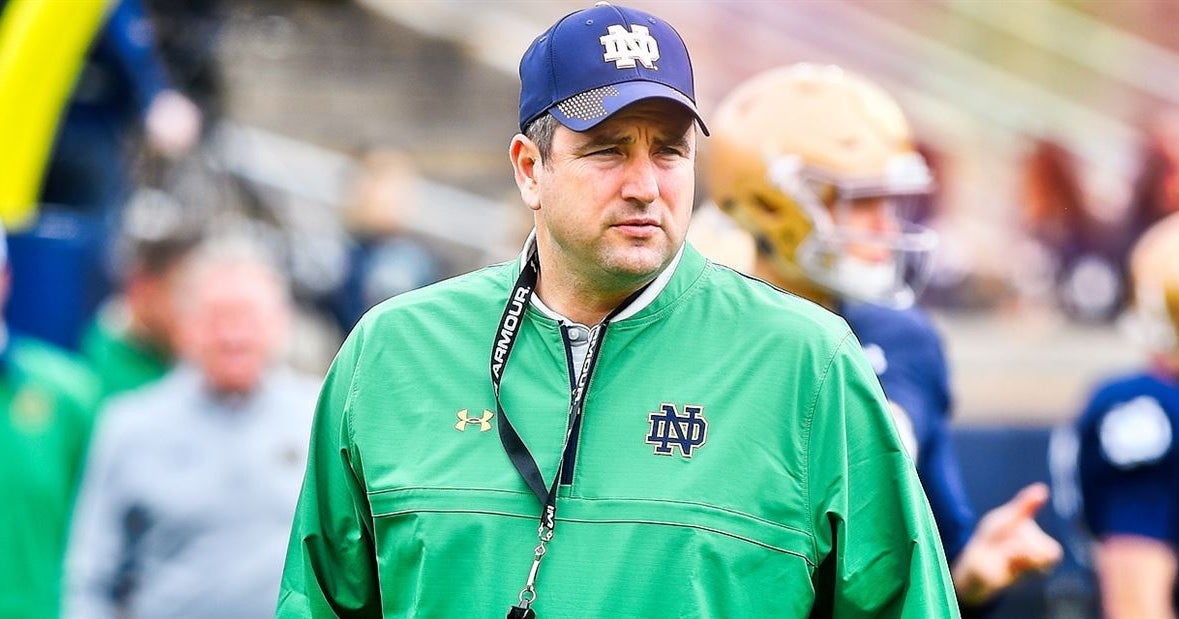 Report: Notre Dame staffers options for Bowling Green head coach