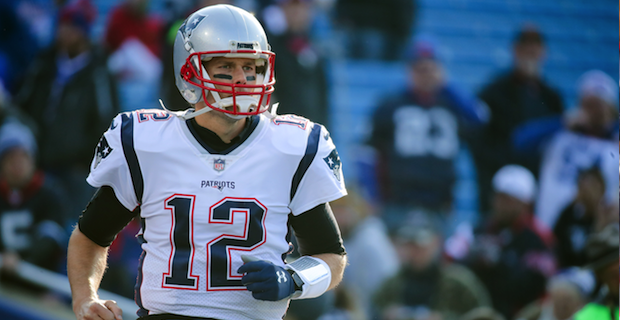 the latest 1b4b9 34075 Tom Brady leads NFL jersey sales for Week 16