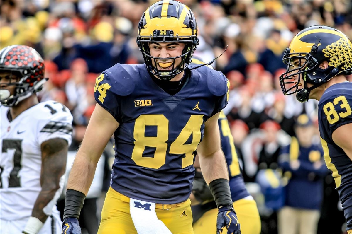 Sherrone Moore previews Michigan's tight ends group