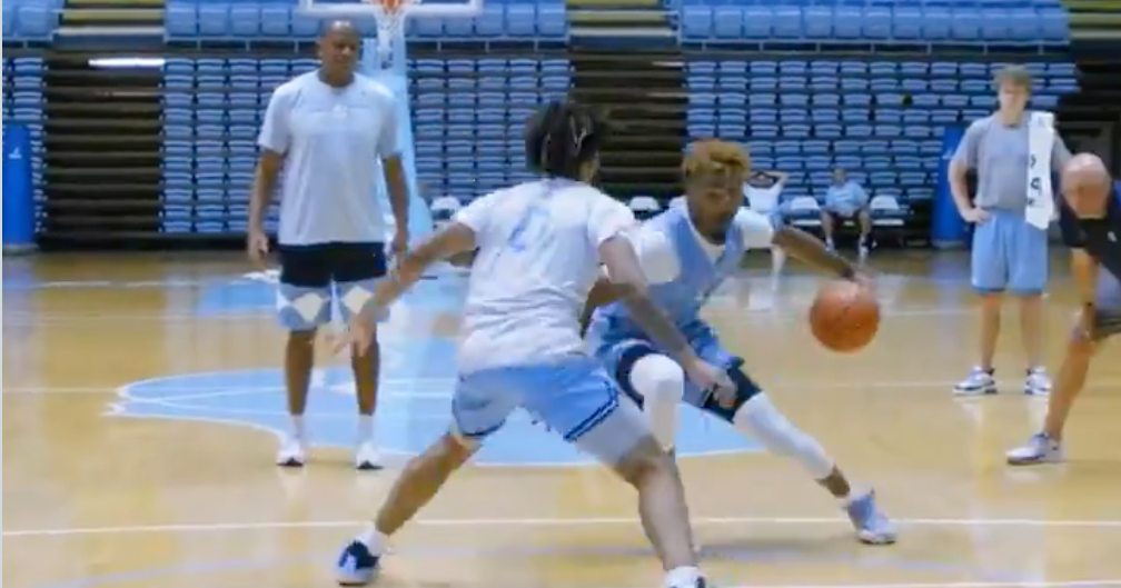 Hubert Davis Stresses Competition with One-on-One Drills