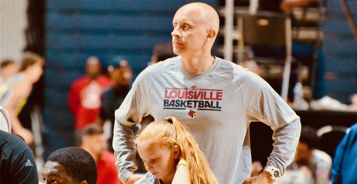 Chris Mack leaves Vegas; expected to see Dontaie Allen on Sunday