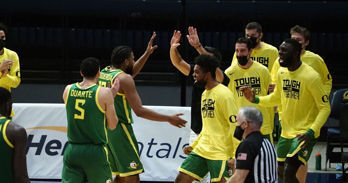 Oregon heads to Oregon State to win their second straight league title