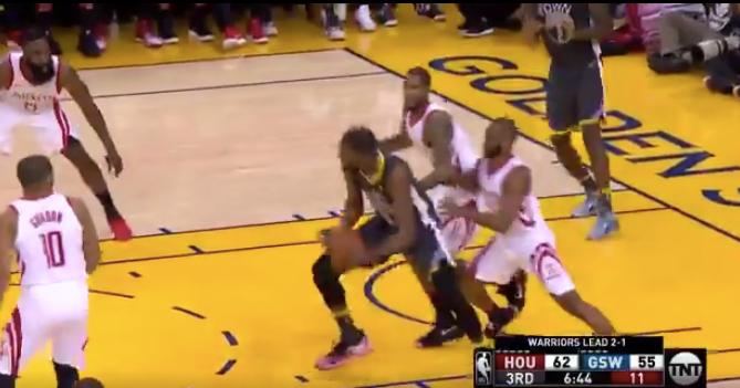 18c58752da35 WATCH  Kevin Durant makes beautiful assist to Jordan Bell