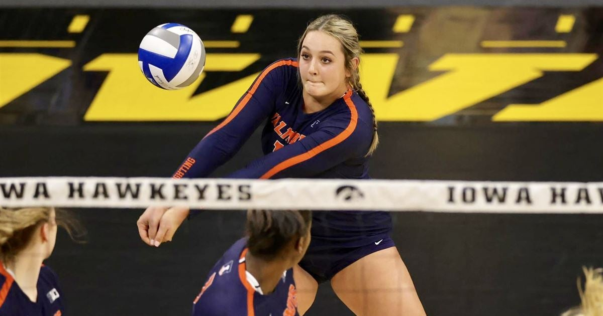 Weekend recap: Volleyball takes two at Iowa; swim gets B1G win
